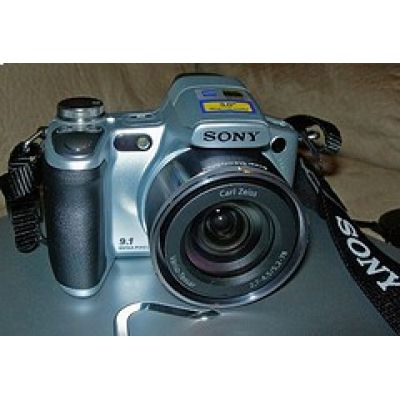 Camera Digital Sony H50 9.1MP Cartão 4GB DUO Bolsa Tripé